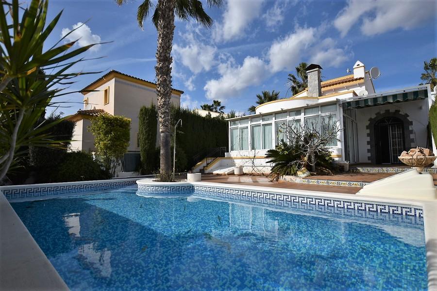 Ref:ES15120 Villa For Sale in Playa Flamenca