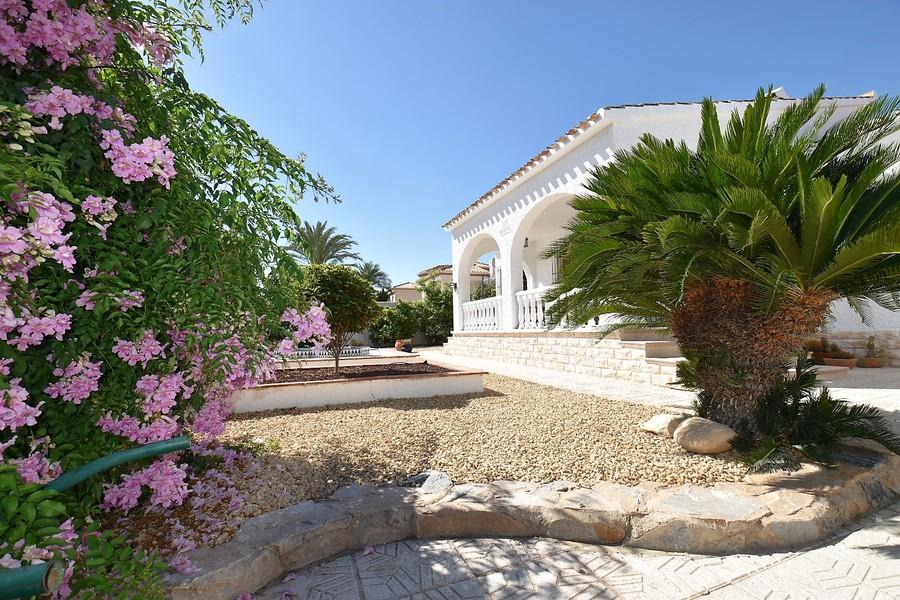 Ref:ES15125 Villa For Sale in Playa Flamenca
