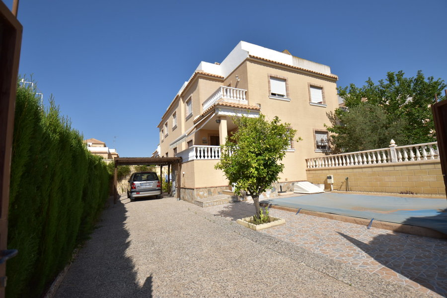 Ref:ES18817 Quad House For Sale in Torrevieja