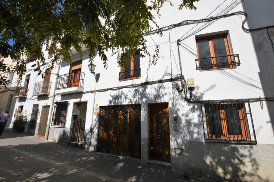 Ref:ES107535 Townhouse For Sale in Lanajron