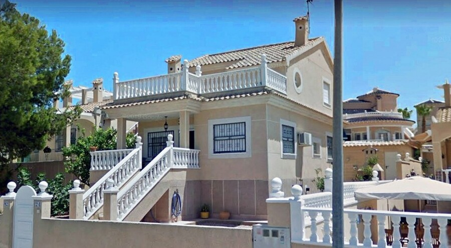 Ref:ES95046 Villa For Sale in Orihuela Costa