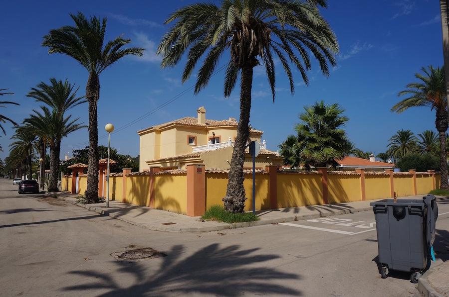ES97570: Villa for sale in Cabo Roig